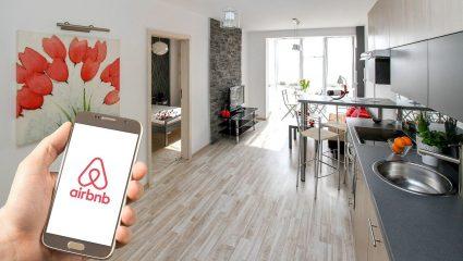 1000 ευρώ τον μήνα για 4 χρόνια: Το πρωτοποριακό πρόγραμμα που τελειώνει το Airbnb