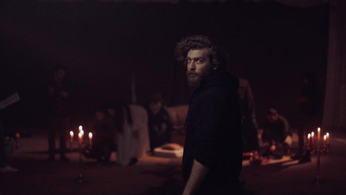 Genesis: Ο Γιάννης Ποιμενίδης μας μιλάει για το video clip που συζητιέται όσο τίποτα τα τελευταία 24ωρα