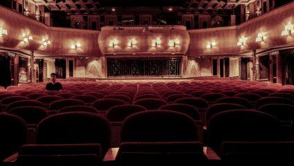 Live streaming σε καιρό πανδημίας: Μπορεί να είναι αυτό το μέλλον του θεάτρου;