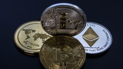 Πέρα από το Bitcoin: 5 κρυπτονομίσματα που σε μια δεκαετία θα αποφέρουν εκατομμύρια στους κατόχους τους