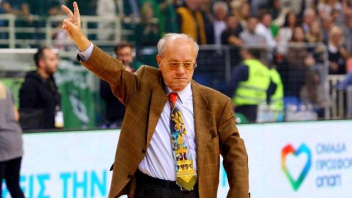 Ο Ιωαννίδης να βρίζει στα μεγάφωνα του ΣΕΦ και ο Κόρφας να σουτάρει με το ένα χέρι: 40 cult εικόνες της Α1 που αγαπήσαμε!