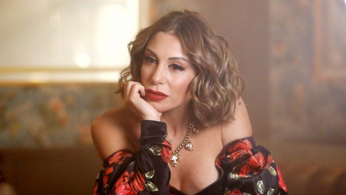 Η Μαρία Καρλάκη είναι ένας πολύτιμος λίθος της ελληνικής μουσικής
