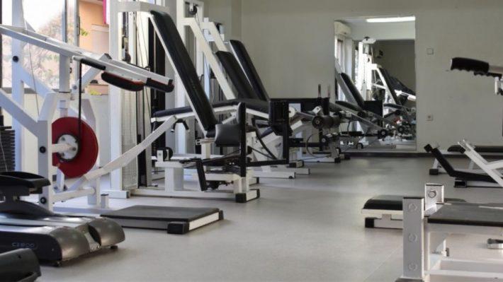 Παιδιά, σοβαροί να είμαστε: Είναι δυνατόν ν' ανοίξουν έτσι τα γυμναστηρια;