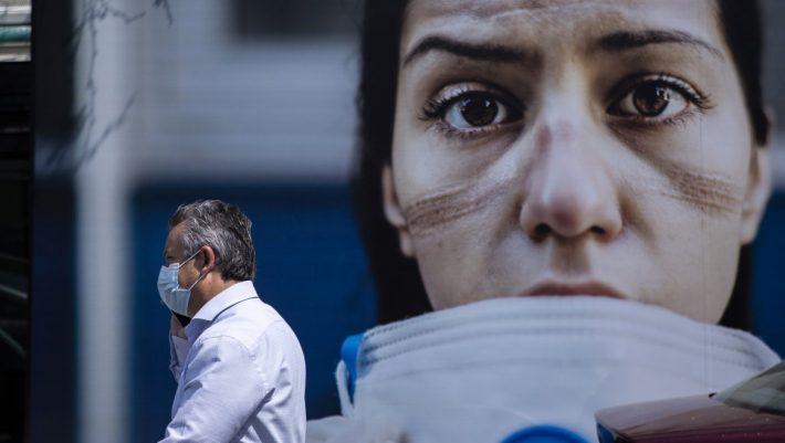 Ελληνική επιστημονική επιτυχία: Μείωσαν το ιϊκό φορτίο ασθενών covid κατά 25% με αλατόνερο