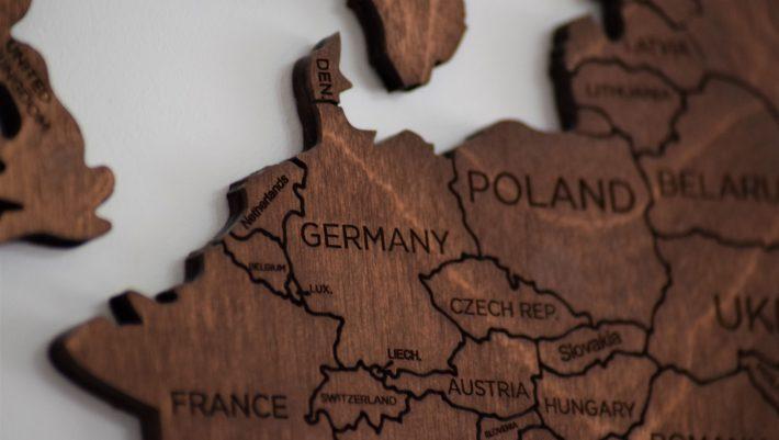Η Ευρώπη χάνει κι άλλο σύμμαχο: Το πάγωμα των συνομιλιών με τον δεύτερο μεγαλύτερο εταίρο φέρνει τριγμούς