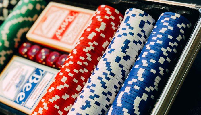 Η απάτη του διαβόητου «Billy»: Ο παίκτης  που ξάφριζε τα καζίνο με το κόλπο του κινητού και του ντίλερ