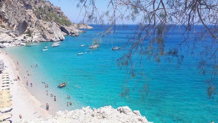 100 παραλίες, νερά Χαβάης: Το ελληνικό covid-free νησί με δείκτη θετικότητας 0 είναι η έκπληξη του φετινού καλοκαιριού (Pics)