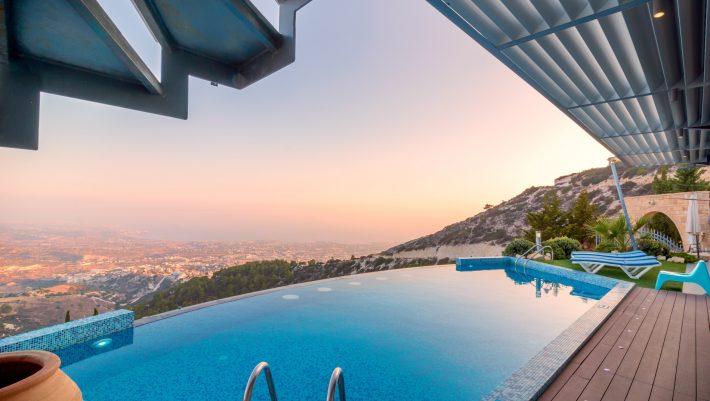 Κέρδος έως 12.000 τον μήνα: Το νέο Airbnb δίνει αυτό που κάθε Έλληνας ονειρεύεται στις διακοπές του