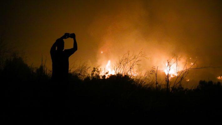 Ναι, εγώ έβαλα τη φωτιά στην Βαρυμπόμπη...