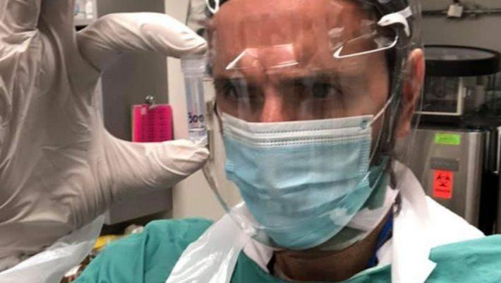 «Είμαστε πειραματόζωα;»: Η θαρραλέα ανάρτηση του δρ Πρασσά για τα εμβόλια που δυσαρέστησε πολύ κόσμο
