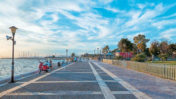 6 αγγλικές ονομασίες περιοχών της Αθήνας κλάσεις ανώτερες από το «Mars Field»