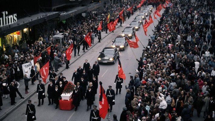 100 ύποπτοι, κανένας δολοφόνος: Η υπόθεση «JFK της Ευρώπης» που εξακολουθεί να στοιχειώνει τη Σουηδία